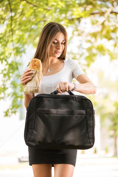 ストックフォト: 遅い · 作業 · 過重労働の · 女性実業家 · 徒歩 · 通り