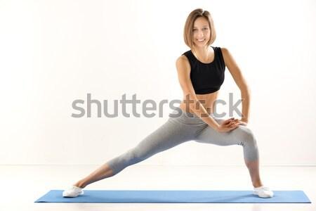 Csinos lány testmozgás sportok ruházat mosoly Stock fotó © MilanMarkovic78