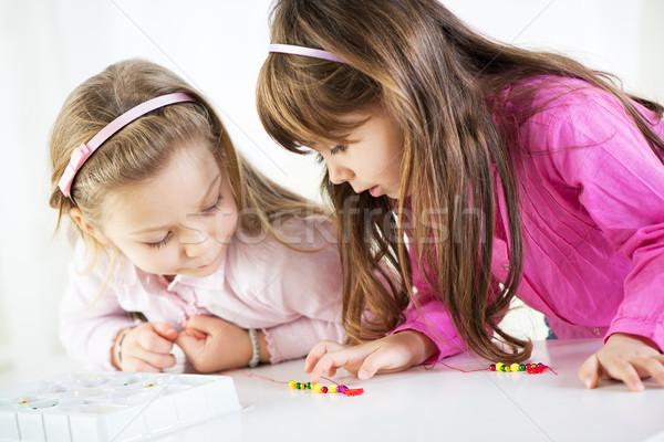 Zwei cute kleines Mädchen spielen home Stock foto © MilanMarkovic78