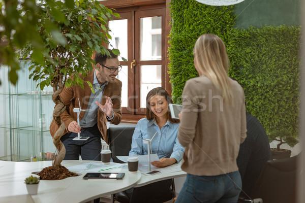 Wind team smart geschoold jonge Stockfoto © MilanMarkovic78