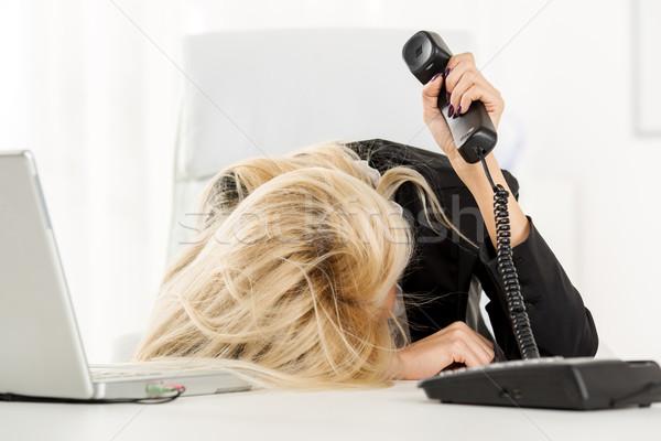 Kimerült titkárnő fiatal csinos üzletasszony munka Stock fotó © MilanMarkovic78