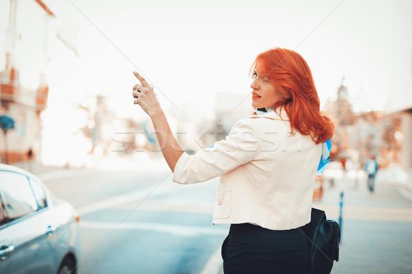 女性実業家 呼び出し タクシー 立って 通り ビジネス ストックフォト © MilanMarkovic78