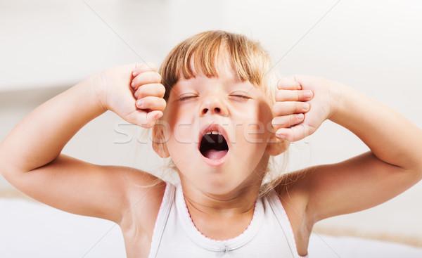 W górę cute dziewczynka bed dziecko Zdjęcia stock © MilanMarkovic78