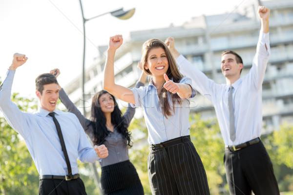 Udany zespół firmy młodych kobieta interesu zespołu Zdjęcia stock © MilanMarkovic78