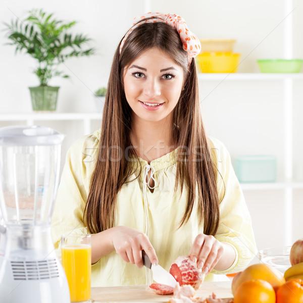 Genç kadın greyfurt güzel Stok fotoğraf © MilanMarkovic78