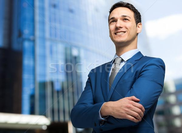 Jovem gerente homem rua empresário urbano Foto stock © Minervastock