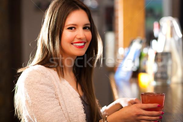 女性 ドリンク パブ 美人 少女 セクシー ストックフォト © Minervastock