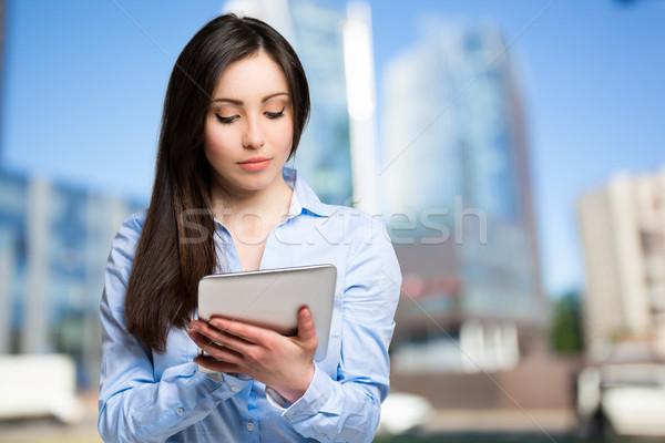 女性 デジタル タブレット 屋外 ビジネス コンピュータ ストックフォト © Minervastock