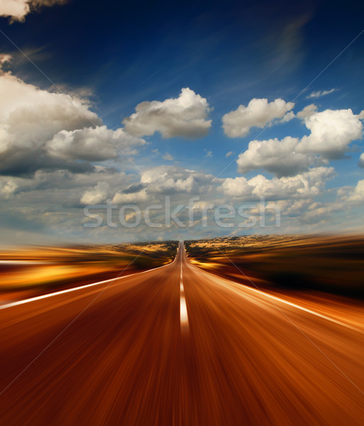 Foto stock: Estrada · vazio · céu · paisagem · tráfego · férias