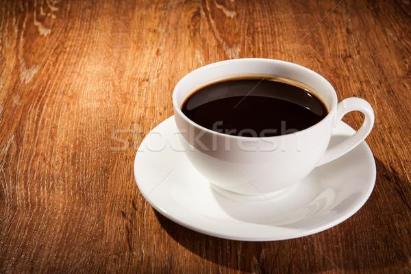 Beker zwarte koffie koffiebonen hout Stockfoto © mizar_21984