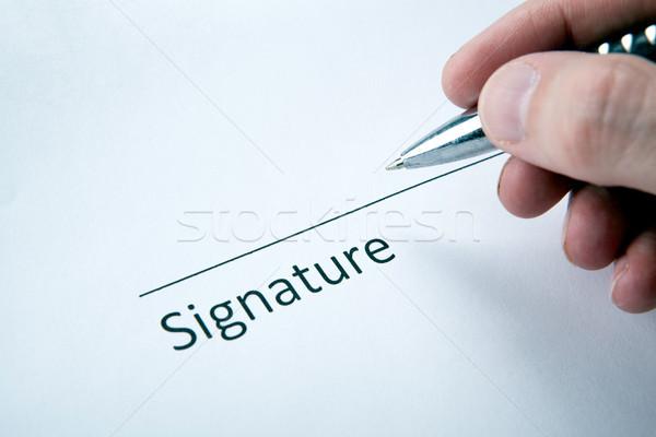 Een document plaats handtekening hand man Stockfoto © mizar_21984