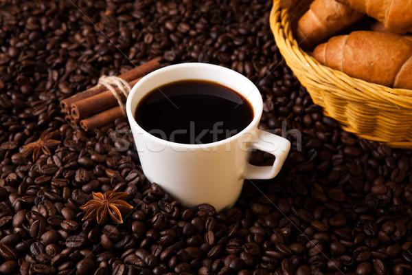 Koffie stilleven hout beker koffiebonen Stockfoto © mizar_21984