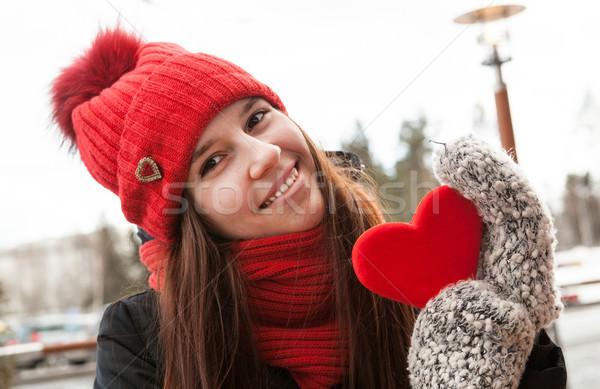 Gyönyörű lány tél ruházat felirat űrlap szív Stock fotó © mizar_21984