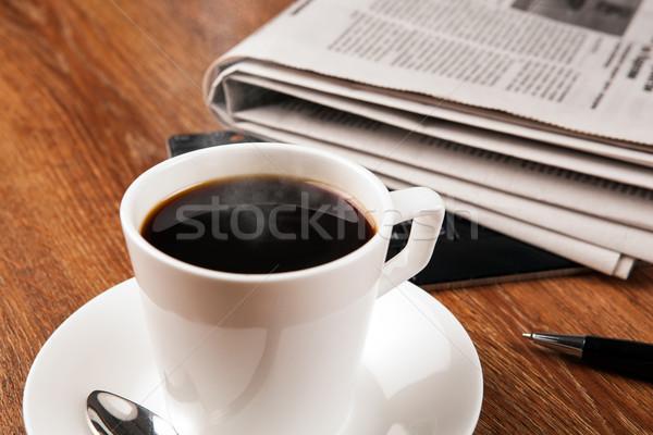 Beker koffie krant notebook werken lezing Stockfoto © mizar_21984