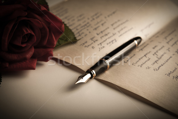Töltőtoll szöveg lap papír rózsa rózsa közelről Stock fotó © mizar_21984
