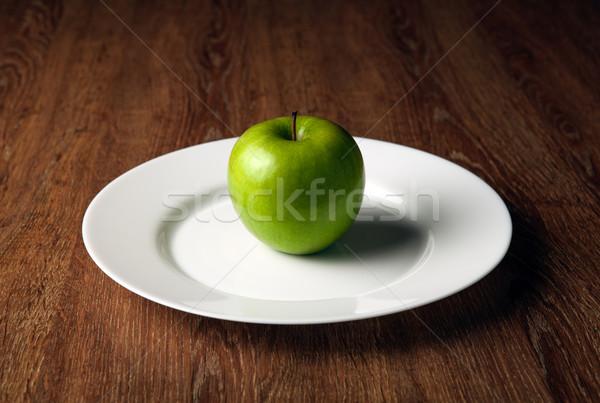 Fresco verde maçã branco prato Foto stock © mizar_21984