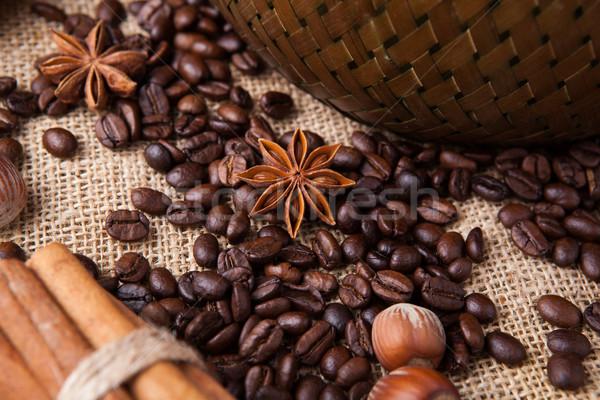 Kahve çekirdekleri star anason natürmort Stok fotoğraf © mizar_21984