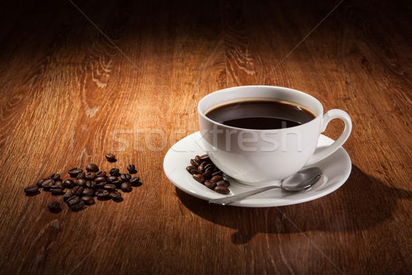 Beker zwarte koffie koffiebonen voedsel Stockfoto © mizar_21984