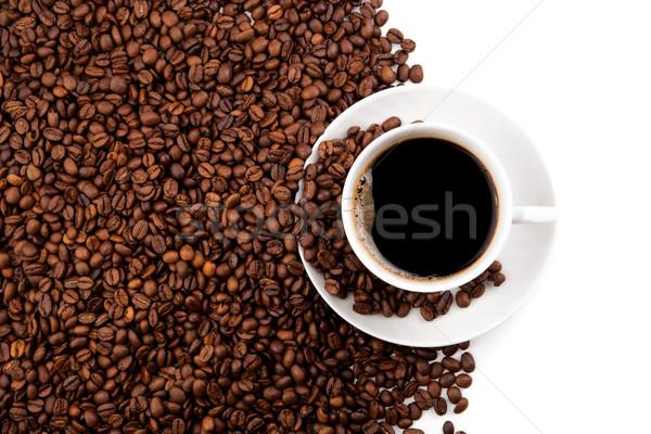 Beker zwarte koffie koffie bonen witte Stockfoto © mizar_21984