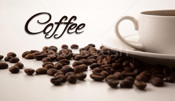 Beker zwarte koffie koffie bonen Stockfoto © mizar_21984