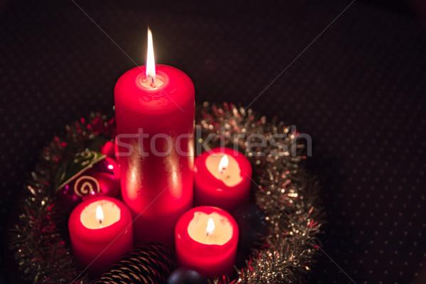 Luz de velas advento coroa fogo luz aniversário Foto stock © mobi68