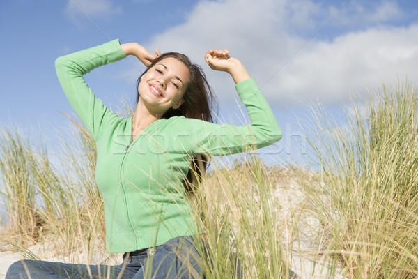 Młoda kobieta kobieta trawy szczęśliwy Zdjęcia stock © monkey_business
