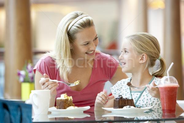Foto stock: Mãe · filha · almoço · juntos · shopping · mulher