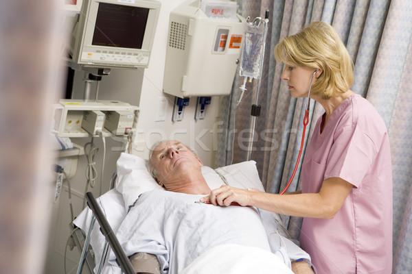 Orvos szívdobbanás nő férfi gyógyszer nővér Stock fotó © monkey_business