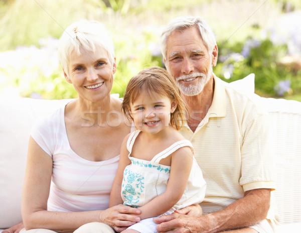 Stock fotó: Nagyszülők · leányunoka · megnyugtató · kert · család · férfi