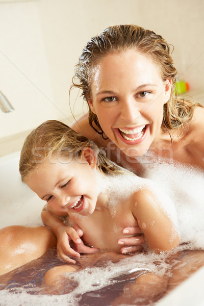 для мать и дочь в ванной термобелье хорошо