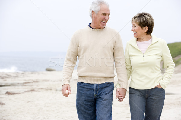 Photo stock: Couple · plage · mains · tenant · souriant · femme · homme