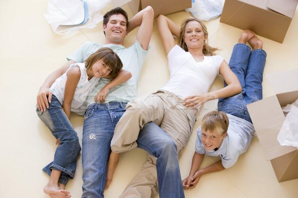 Stock fotó: Család · padló · nyitva · dobozok · új · otthon · mosolyog