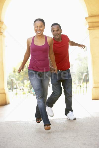 Foto stock: Edifício · cidade · homem · casal · retrato