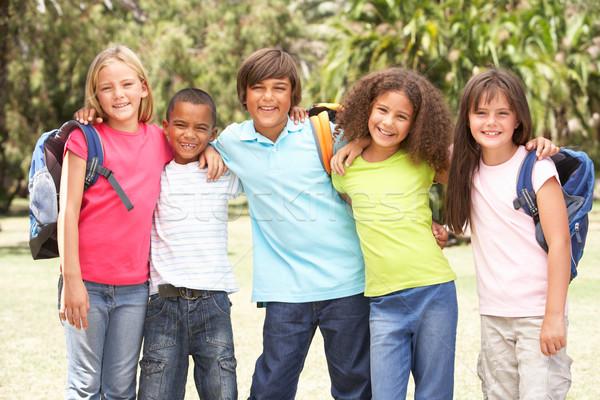 Photo stock: Groupe · permanent · parc · fille · enfants