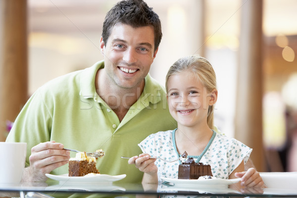 Foto stock: Pai · filha · almoço · juntos · shopping · menina