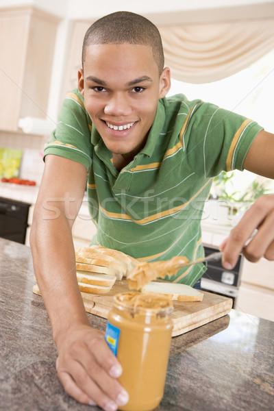Stockfoto: Mannelijke · pindakaas · sandwich · home