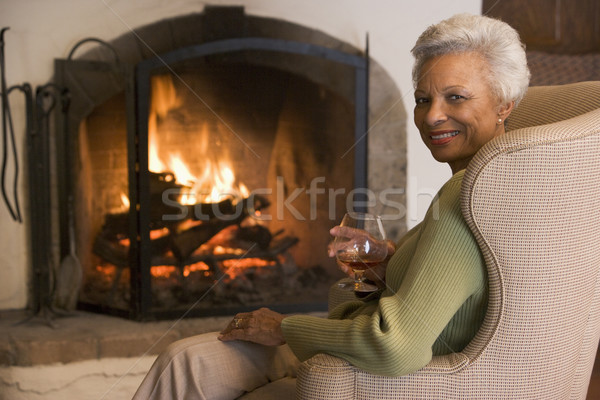 Femme salon boire femme souriante souriant portrait Photo stock © monkey_business