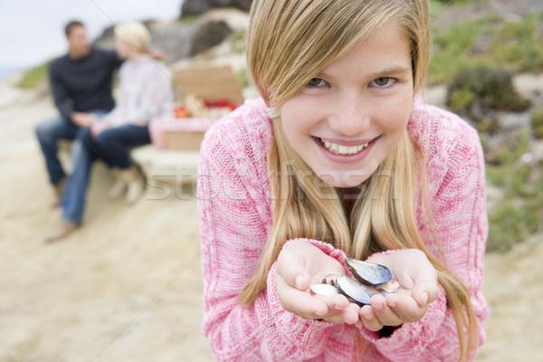 Stok fotoğraf: Aile · plaj · piknik · gülen · odak · kız