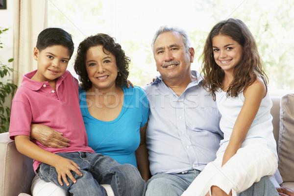 Stock foto: Großmutter · Lesung · Enkelkinder · home · zusammen · Familie