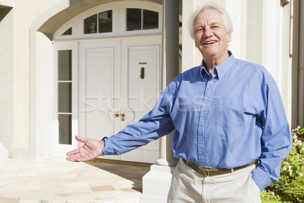 Stock fotó: Idős · férfi · áll · kívül · ház · látogató