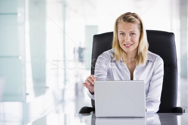 Stockfoto: Zakenvrouw · vergadering · kantoor · laptop · glimlachend · computer