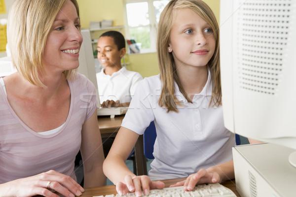 教師 女学生 勉強 学校 コンピュータ 女性 ストックフォト © monkey_business