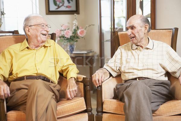 Сток-фото: старший · мужчин · расслабляющая · друзей · человек · улыбаясь