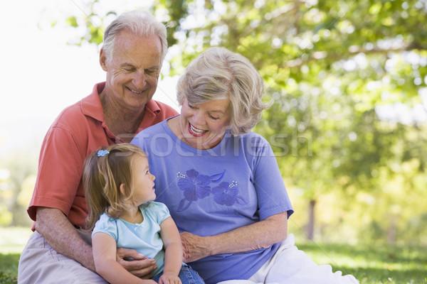 Foto stock: Abuelos · nieta · parque · familia · nina · feliz