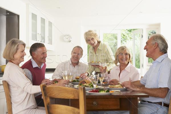 Znajomych obiad domu wraz żywności Zdjęcia stock © monkey_business