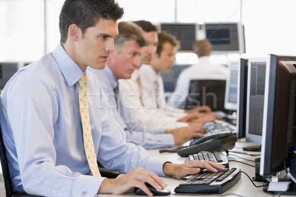 在庫 作業 コンピュータ 技術 作業 株式交換 ストックフォト © monkey_business
