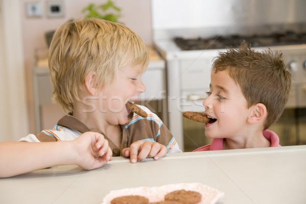 Сток-фото: два · молодые · мальчики · кухне · еды · Cookies