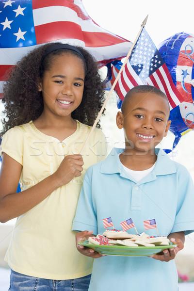 Kardeş kardeş dördüncü bayrak kurabiye kız Stok fotoğraf © monkey_business