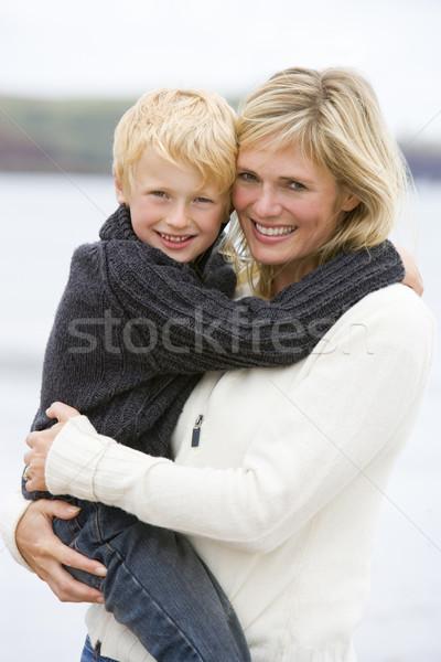 Stock fotó: Anya · tart · fiú · tengerpart · mosolyog · gyermek