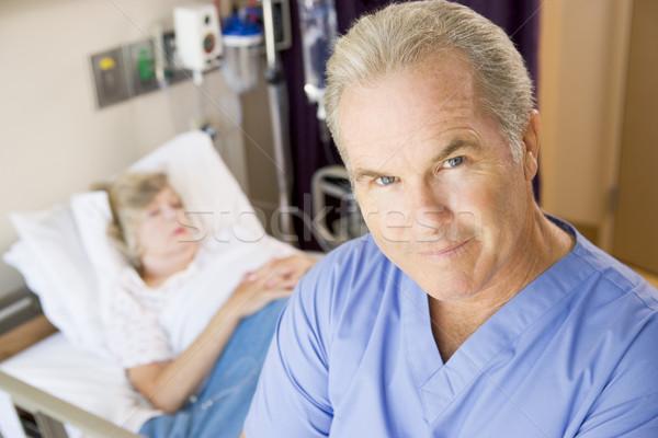 Médico pie grave mujer hombre enfermos Foto stock © monkey_business